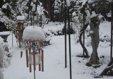 Snowdaygardenwindchimes